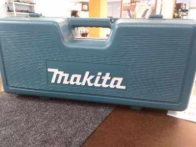 УШМ Makita GA9030SF01, 2400 Вт, 230 мм б/у