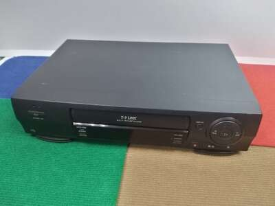 Видеомагнитофон JVC HR-J260EU б/у