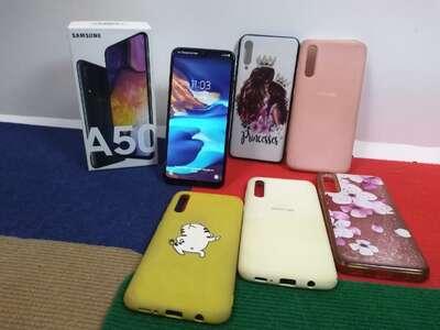 Сотовый телефон Samsung Galaxy A50 64GB б/у