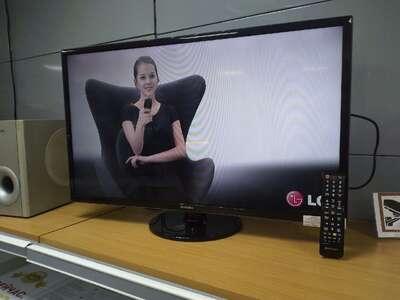 Телевизор Samsung UE32F4000AW б/у